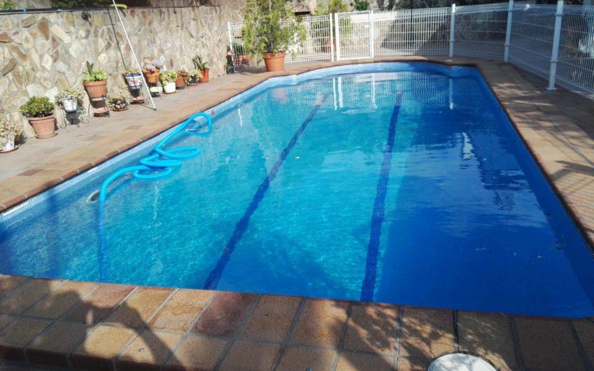 Chalet unifamiliar con piscina. Zona centro, Arganda del rey.