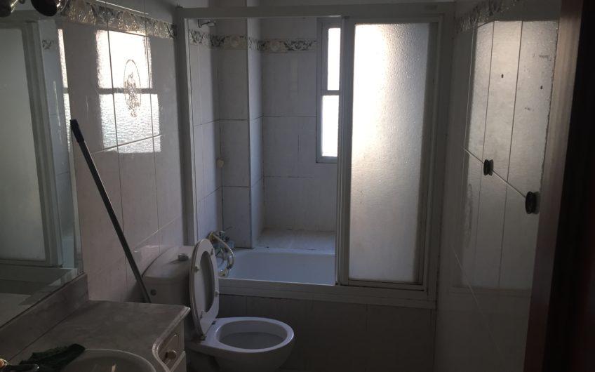Piso 3 dormitorios y terraza. Zona centro, junto al metro. Arganda del rey.