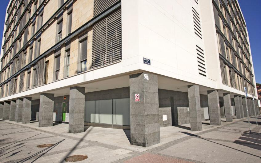 ÚLTIMA VIVIENDA. Bajo de 2 dormitorios con terraza. Junto a estación de metro, Arganda del rey.
