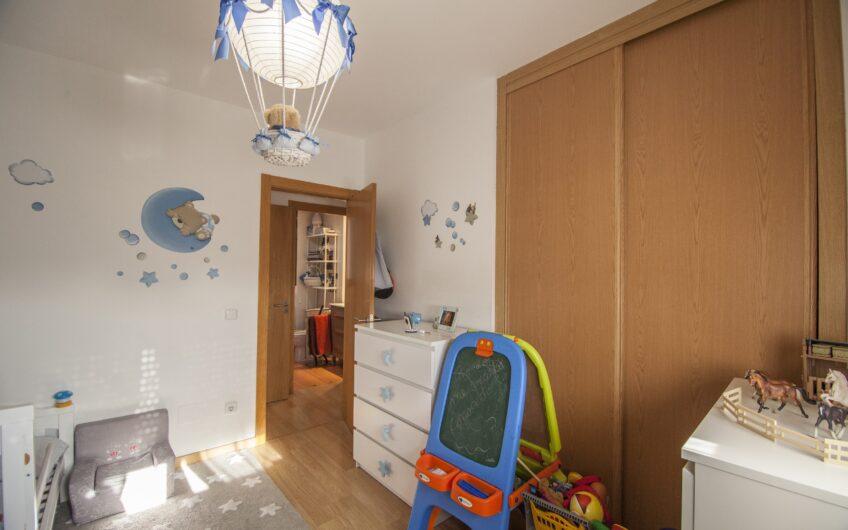 Excelente piso de 2 dormitorios con terraza en los Villares. Arganda del rey.