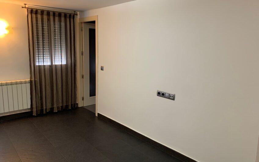 Piso de 2 dormitorios reformado, Madrid.