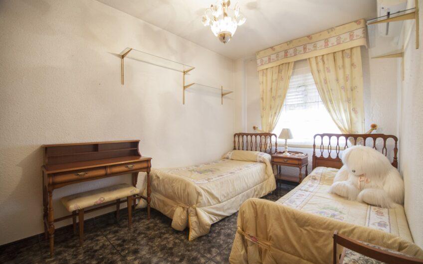 OPORTUNIDAD. Piso 3 dormitorios con terraza. Zona centro, Arganda del rey.