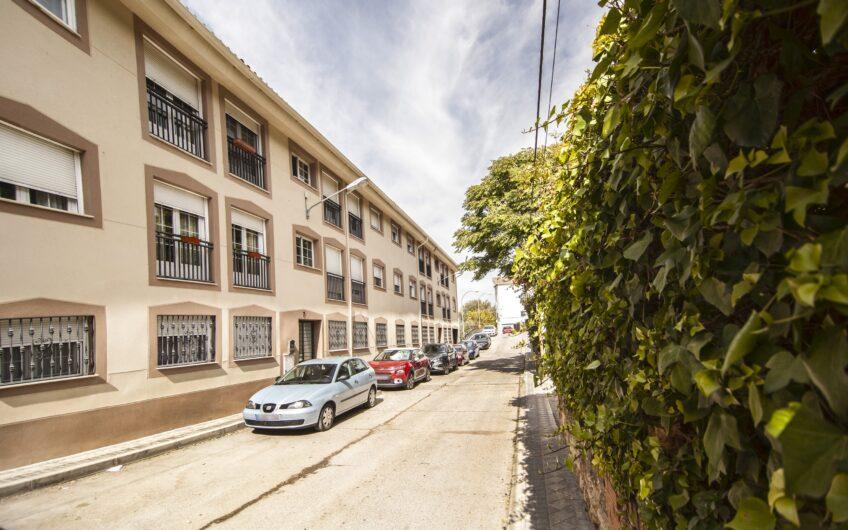 Piso de 1 dormitorio con patio de 41 m2. Campo Real.