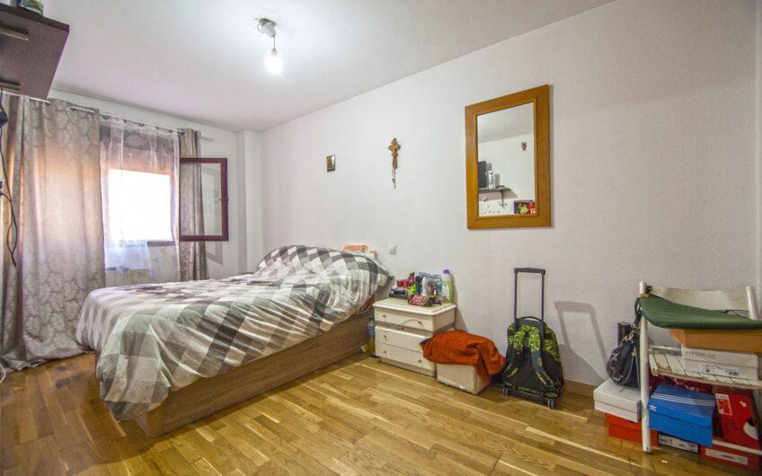 Piso de 3 dormitorios muy amplio. Garaje y trastero. Zona Centro. Arganda del rey