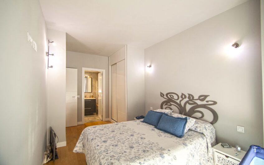 Piso de 2 dormitorios con garaje y trastero. Zona junto al metro. Arganda del rey.