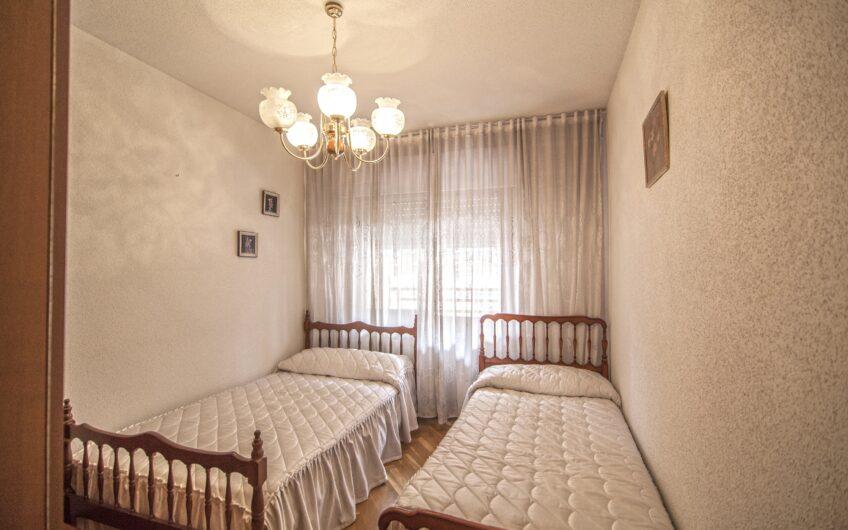 Piso de 3 dormitorios con terraza. Zona centro. Arganda del rey.