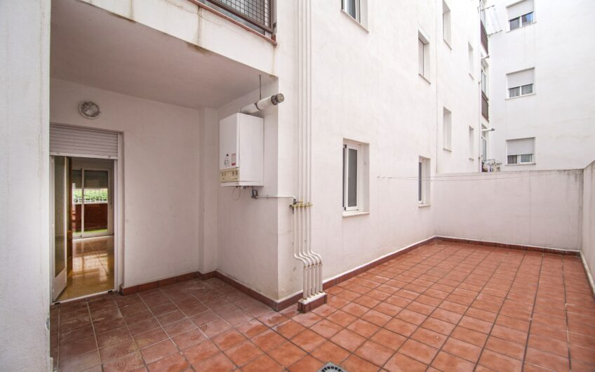 Piso 2 dormitorios con terraza y patio, zona los villares. Arganda del rey