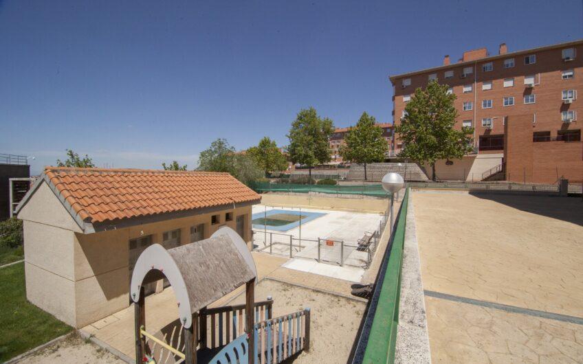 Excelente piso con piscina. Zona el Grillero, Arganda del rey.